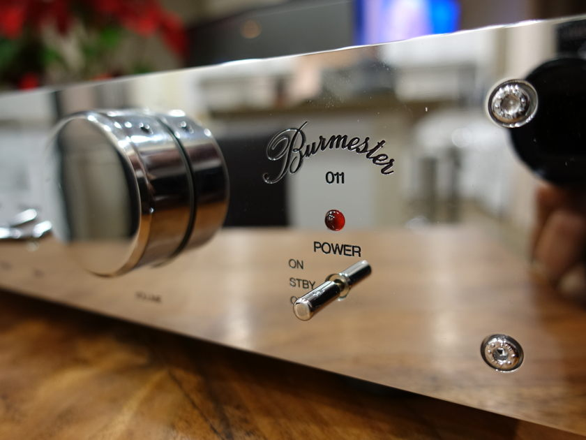 Burmester 011 Mint and Glorious! EXTRORDINARY ALSO HAS PHONOSTAGE!