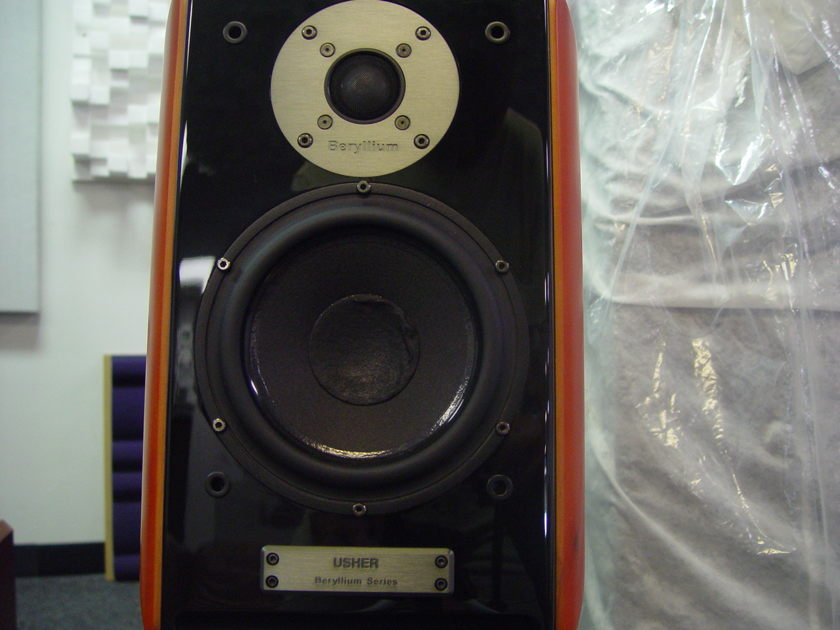 Usher Audio  Be-718