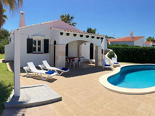 Mahón - Villa with pool and tourist license for sale in Menorca