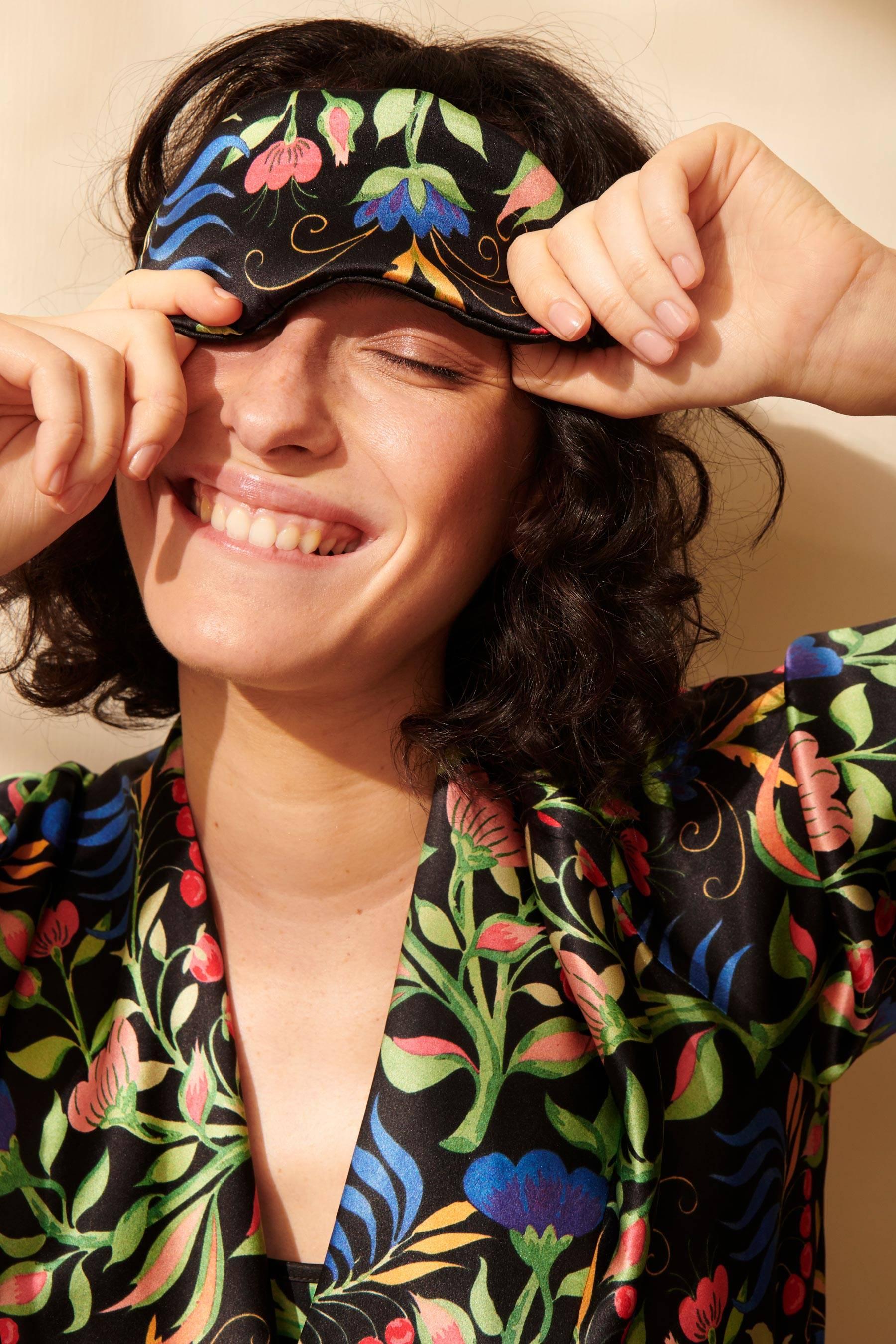 Anais Black Silk Eyemask | Silk Eyemask | YOLKE