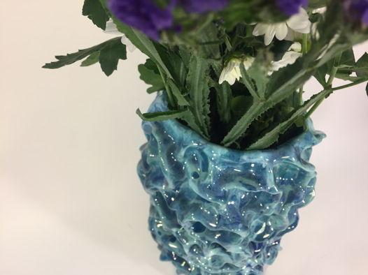 """Керамическая ваза ручной работы """"Горный ручей"""", голубая. Высота 21 см."""