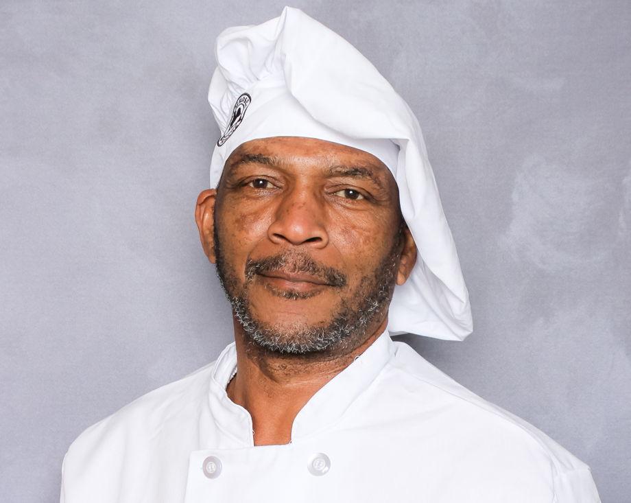Glenn Chisholm , Chef