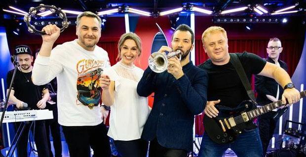 Денис Клявер дал живой концерт в рамках «Золотого микрофона» на «Русском Радио» - Новости радио OnAir.ru