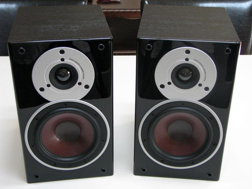 Dali Loudspeakers Zensor 1 Black Ash.