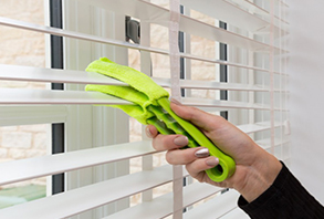 methods-to-clean-various-kinds-of-blinds -curtainsnmore