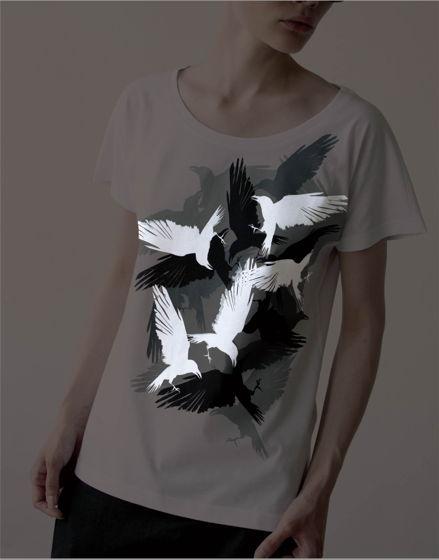 женская футболка светящаяся в темноте