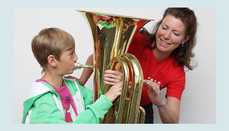 das klingende museum berlin kind spielt trompete