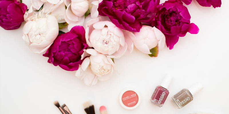 When to Hire a Bridal Makeup Artist