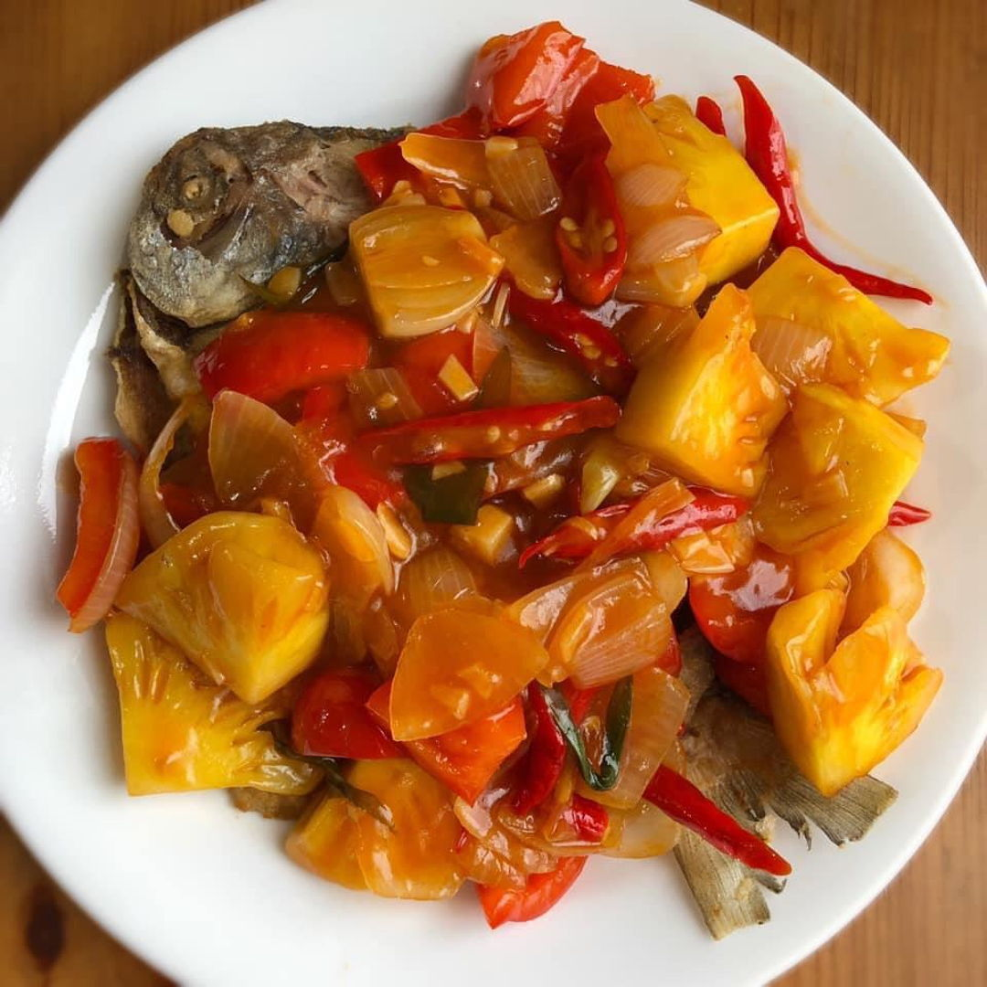 Sweet and Sour White Pomfret Fish.  Taste very delicioso ! 🍍