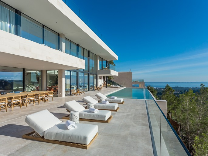 Spectacular modern sea view villa in Son Vida