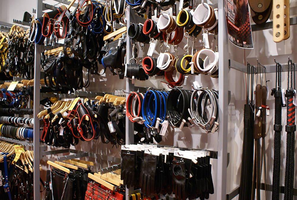 Armada Par Men's Room Montreal Leather Store