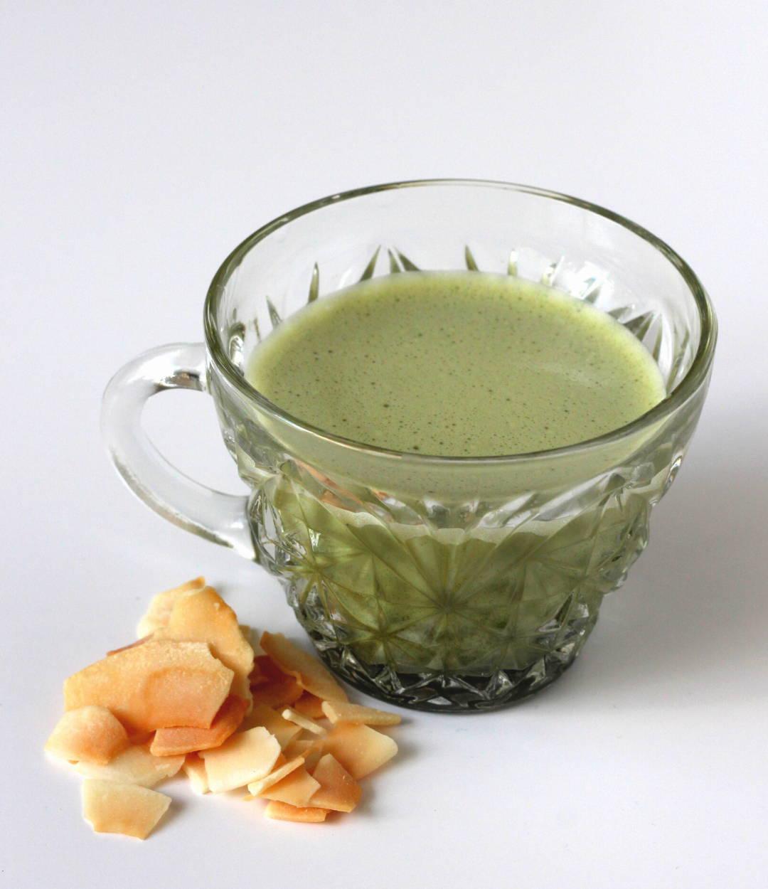 matcha-coconut-water-refresher-recipe