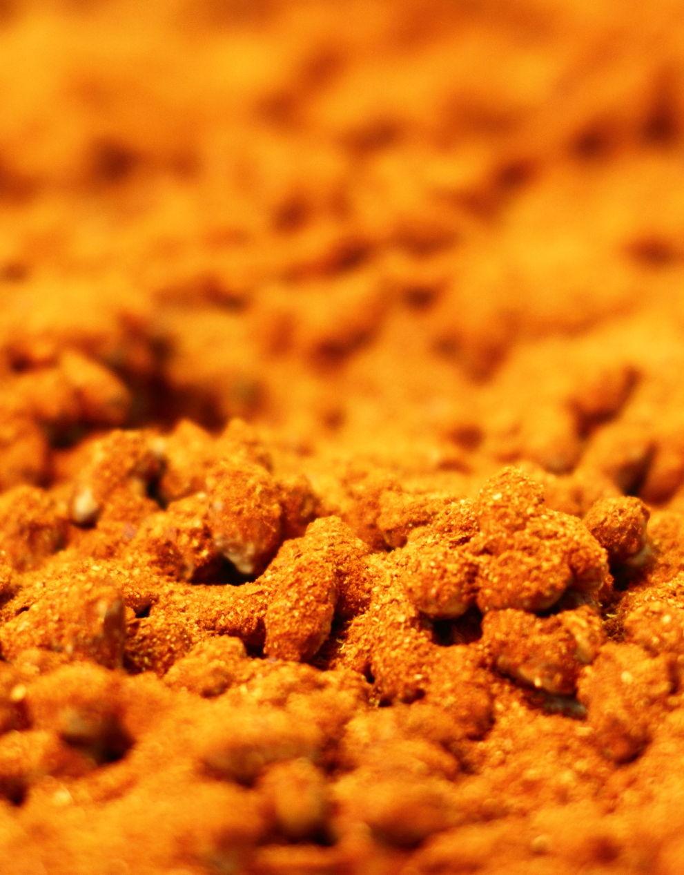 gold gelbe Gewürznüsse