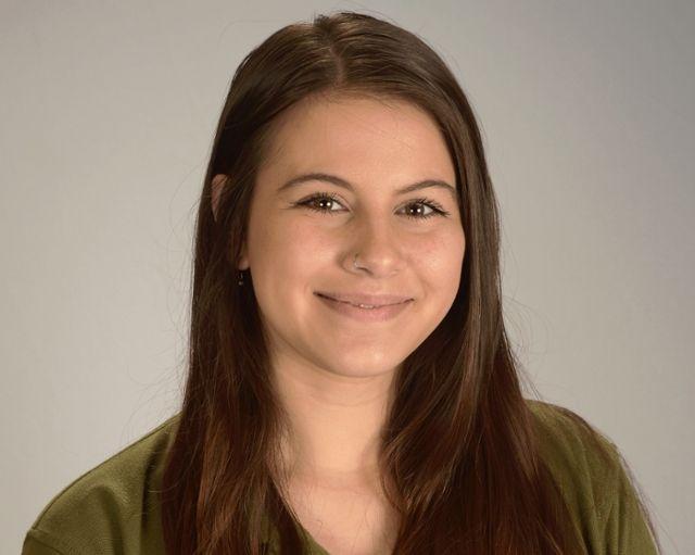 Madelynn Noetling , Teacher