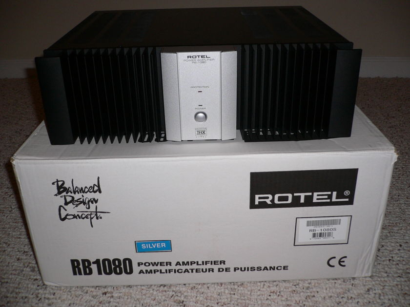 Rotes RB-1080 Rotel Amplifier
