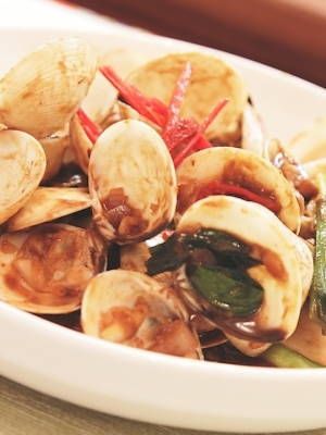 Stir-Fried Clams with Taucu