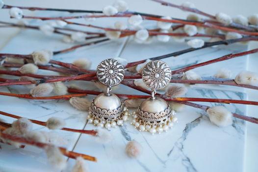 Серебряные серьги-джумки с жемчугом