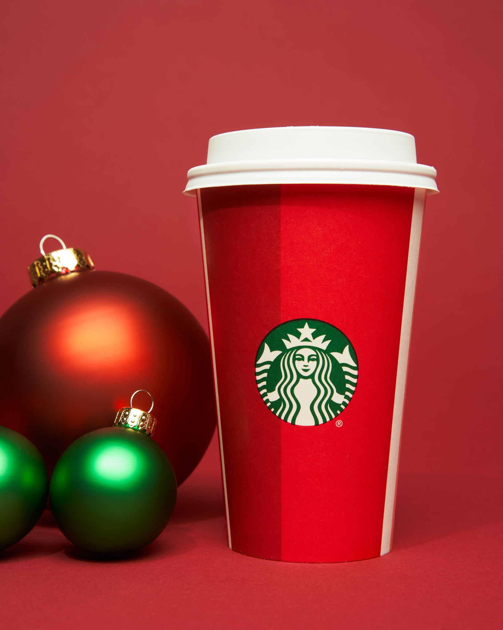 The_Dieline_Starbucks_Holiday-JStrutz-103118-0545_1.jpg