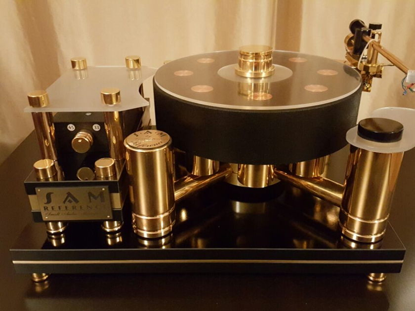 Small Audio Manufacture Reference Gold Edition 24 carat golden gilt monster  turntable