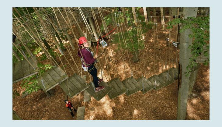 abenteuerpark potsdam wackel treppe