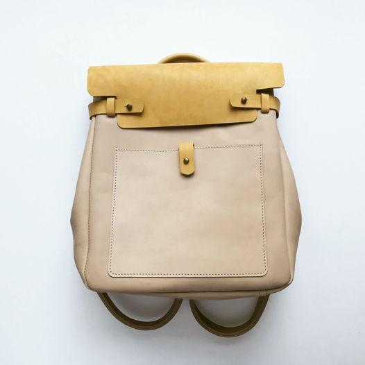 Кожаный рюкзак-сумка Square Ivory/Wheat Field