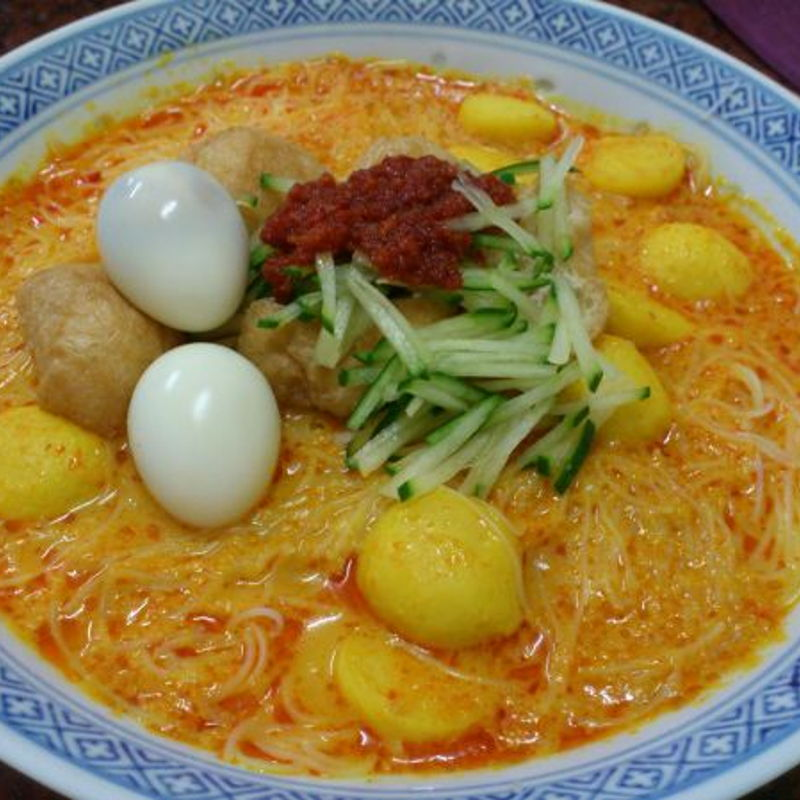 Nyonya Laksa Lemak using coconut milk is one of the famous Peranakan dish in Malaysia.