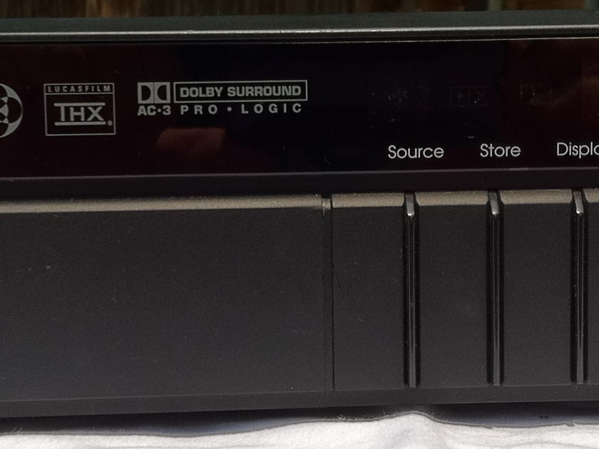 Meridian 565/562V Preamp and surround processor