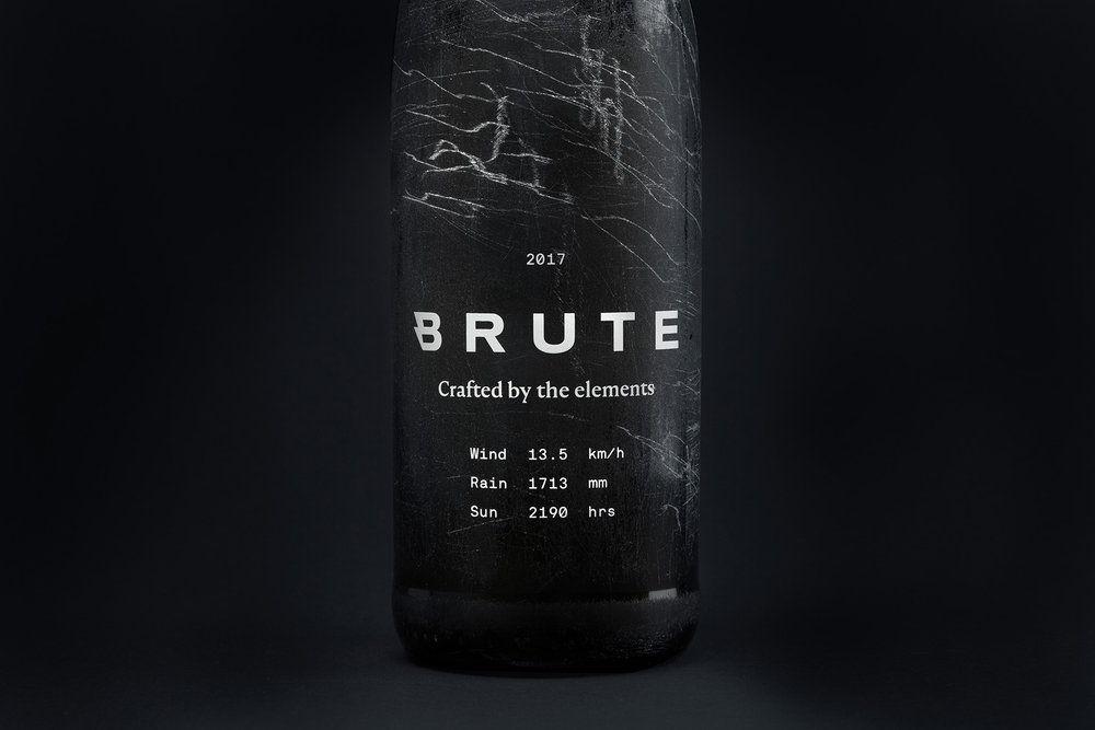 Brute_Bottle_Front_Closeup.jpg
