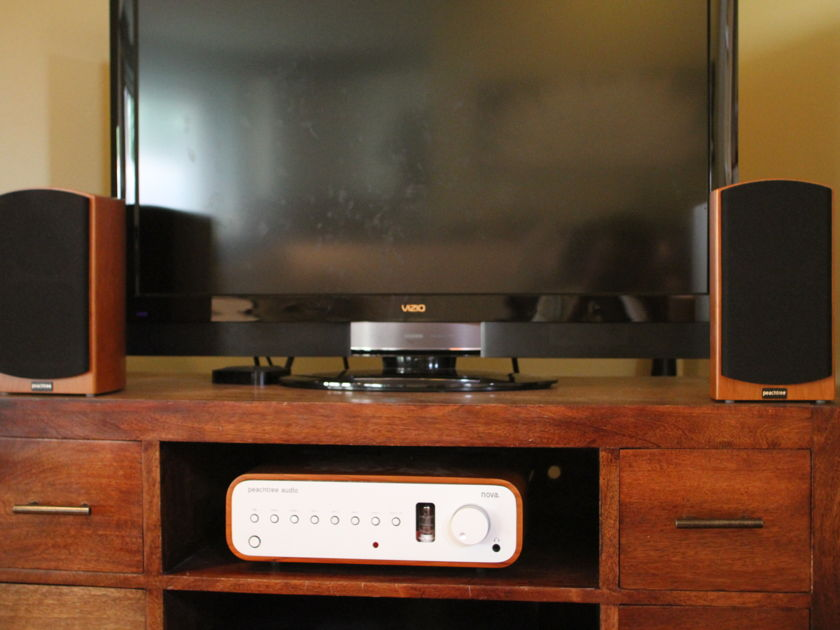 Peachtree Nova Integrated / DAC and D4 Speakers