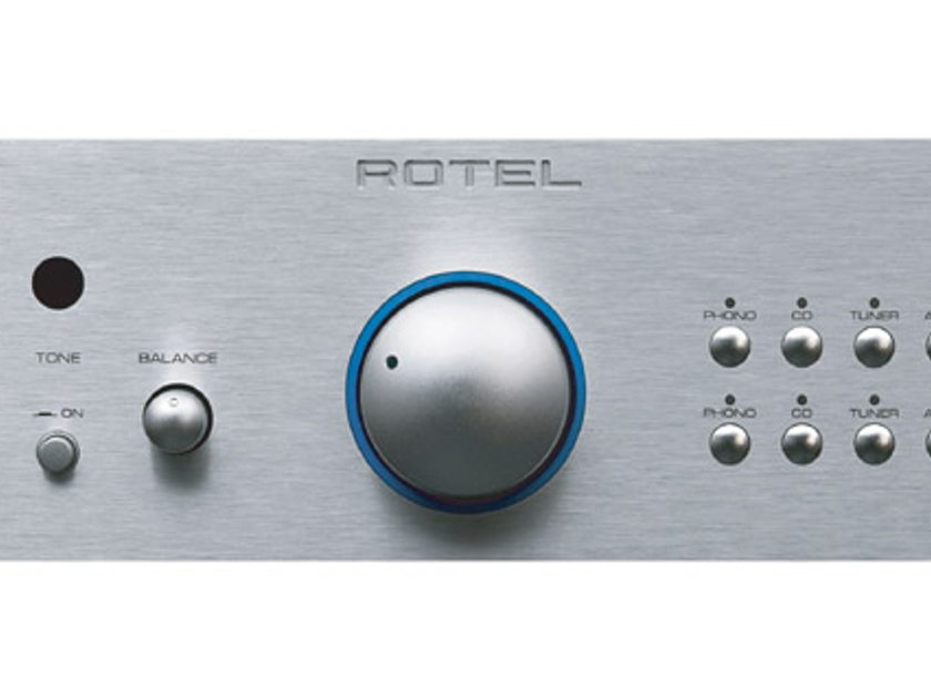 Rotel RC-1580 Audiophile Preamp w/ Phono MM/MC - silver color