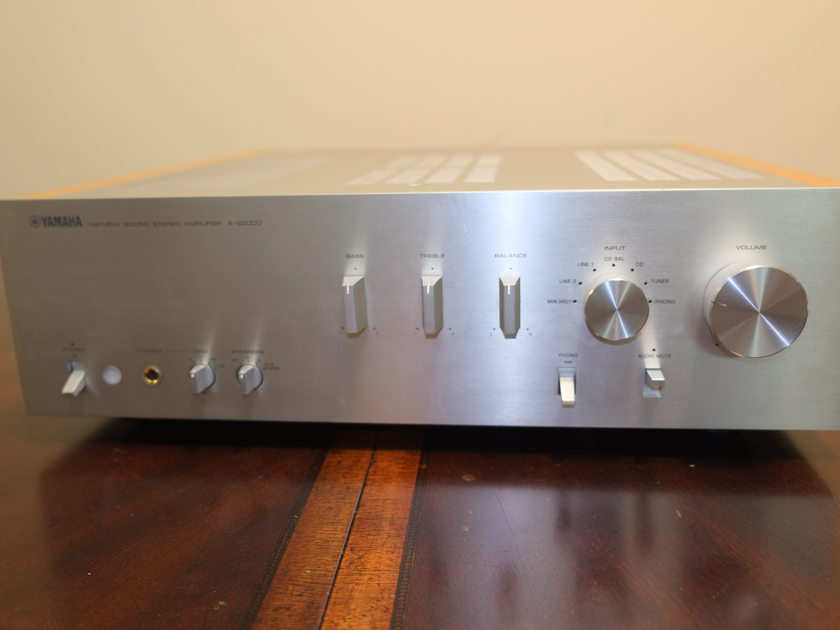 **Good Deal: Yamaha A-S2000 Integrated Amplifier (Silver) - Very Good Condition**