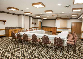 Baymont Inn & Suites meeting room