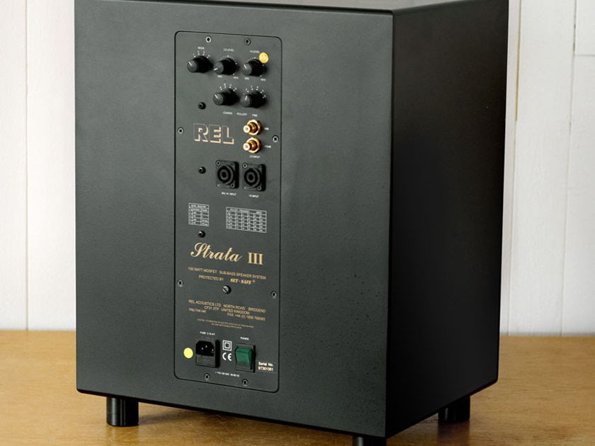 REL STRATA III  Subwoofer Amazing for Music!