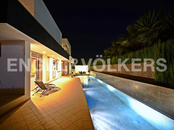 Benidorm, Spain - modern-style-villa-with-pool-and-garden-in-benidorm.jpg