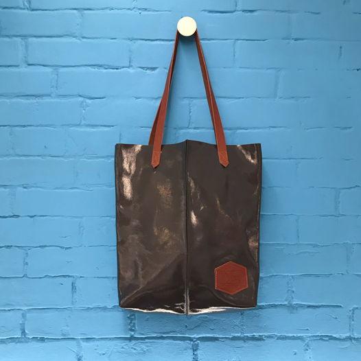 Кожаная сумка-шоппер Tote Gloss Gray