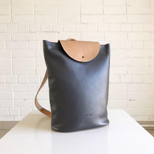 Кожаный рюкзак Flap Pack Gray/Nude