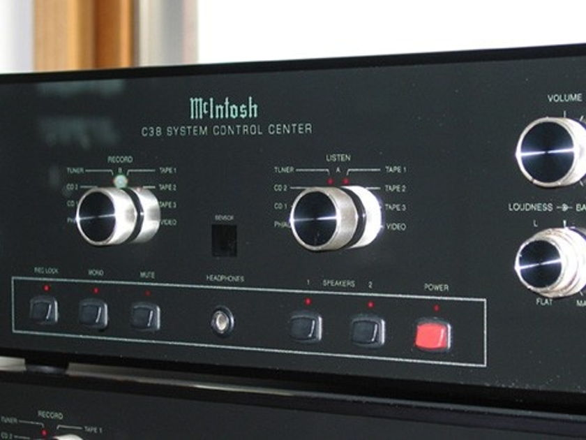 McIntosh C38 PREAMP MADE IN THE USA