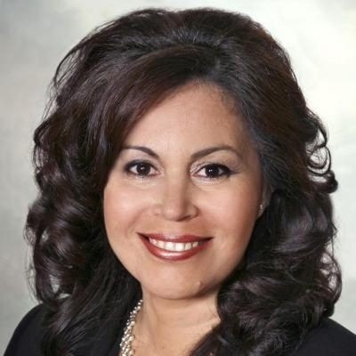 Maria Luisa Benavides  Real estate agent RE/MAX Platine