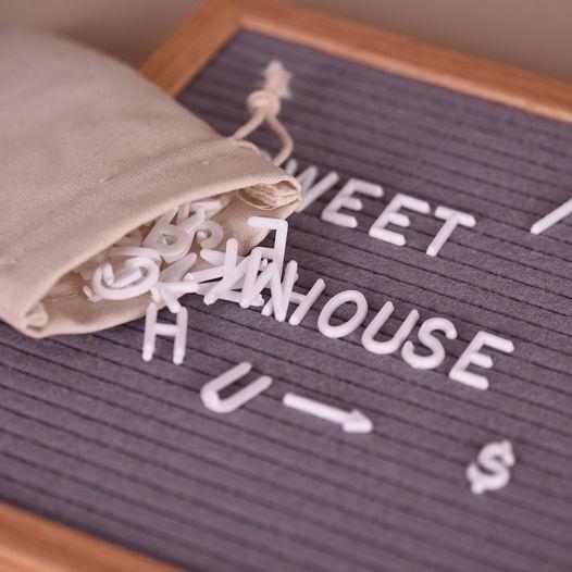 Доска со сменными буквами (letter board)