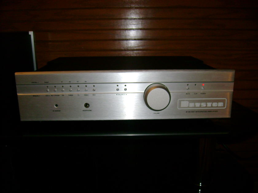 Bryston B100SST MINT CONDITION
