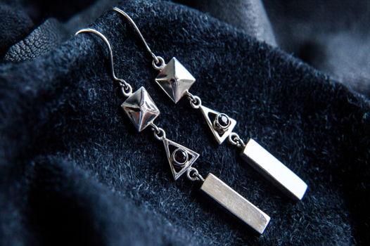 Длинные геометрические серьги из серебра 925 пробы с дымчатым кварцем