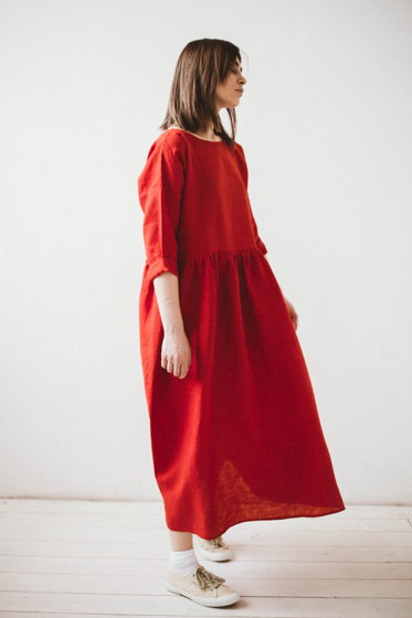 Платье льняное красное