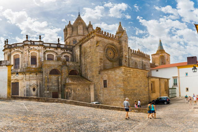 Wine Tasting in Evora Private Tour