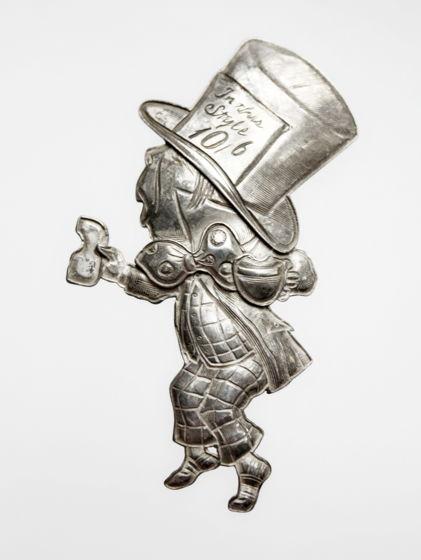 "Винтажная серебряная брошь ""Безумный Шляпник"" от Kit Carson"
