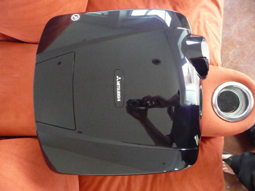 Mitsubishi HC 7000 1080P Projector