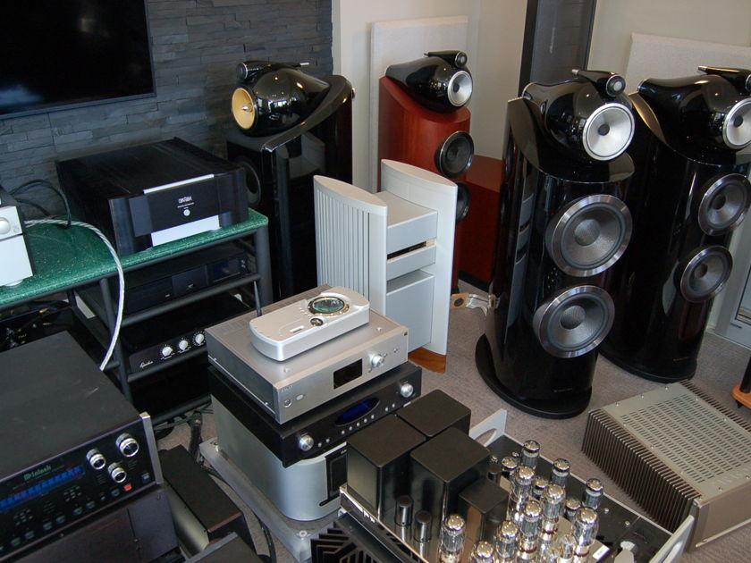 HALCRO  DM-68 + DM 8 pre Halcro DM-68 Amps and DM 8 pre combo