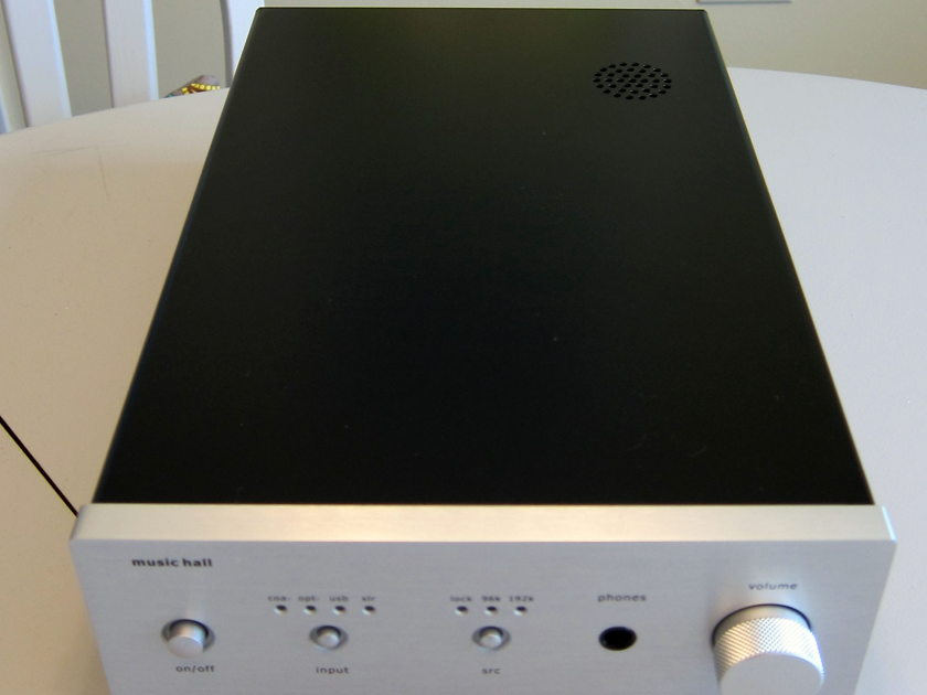 Music Hall DAC25.3 Silver  Near new condition