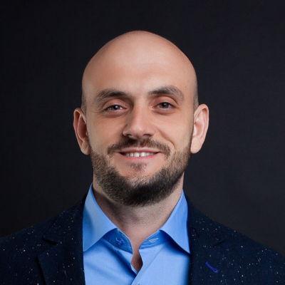 Denis Kornienko Courtier immobilier RE/MAX Platine
