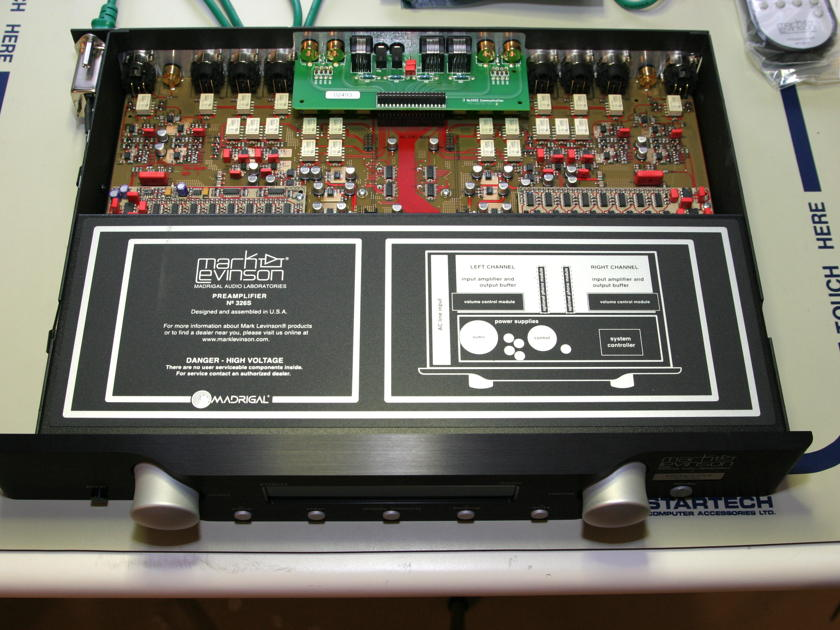 Mark Levinson No 326s Dealer Demo unit with Phono Stage