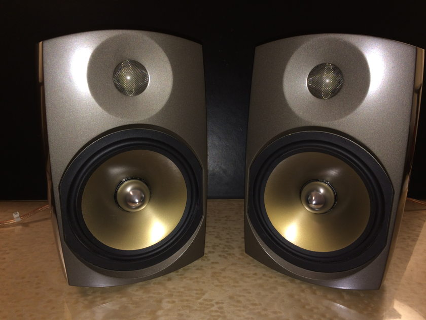 Paradigm Signature S1 V2 Bookshelf Speakers Beryllium